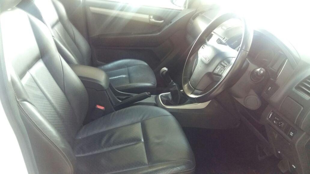 Isuzu KB 300 D-TEQ LX Double cab