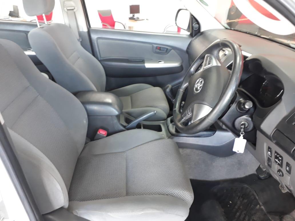 Toyota Hilux 3.0 D-4d Raider 4x4 P/u D/c