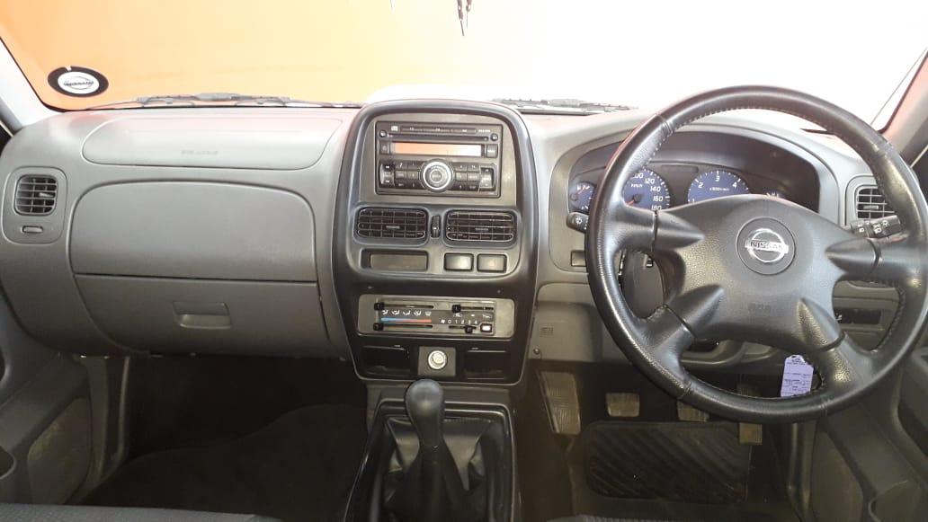 Nissan Hardbody NP300 2.5 TDi HI-RIDER D/Cab