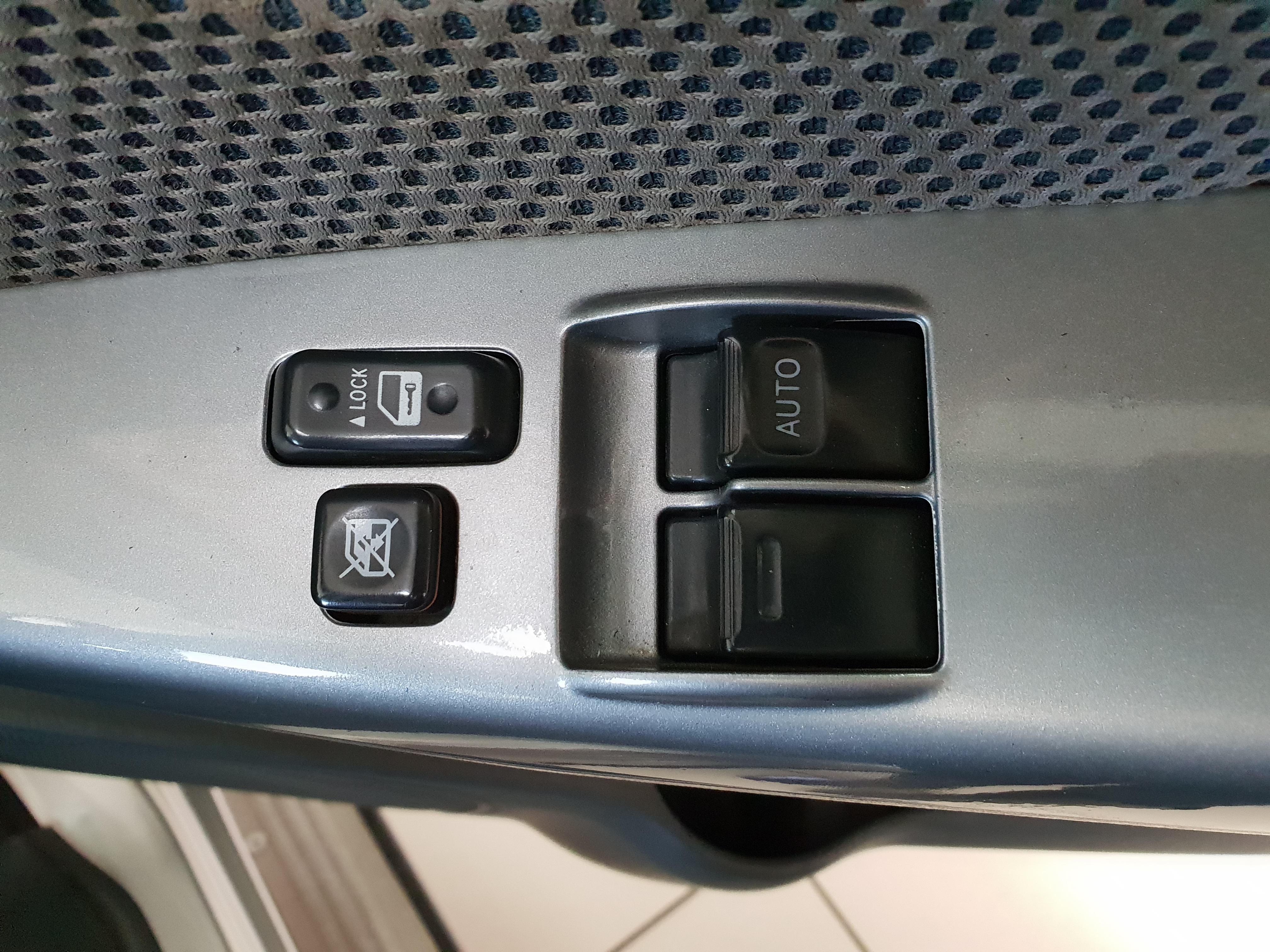 Toyota Hilux 3.0d-4d Raider Xtra Cab P/u S/c