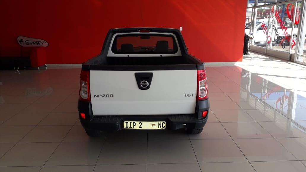 Nissan NP200 1.6 A/c P/u S/c