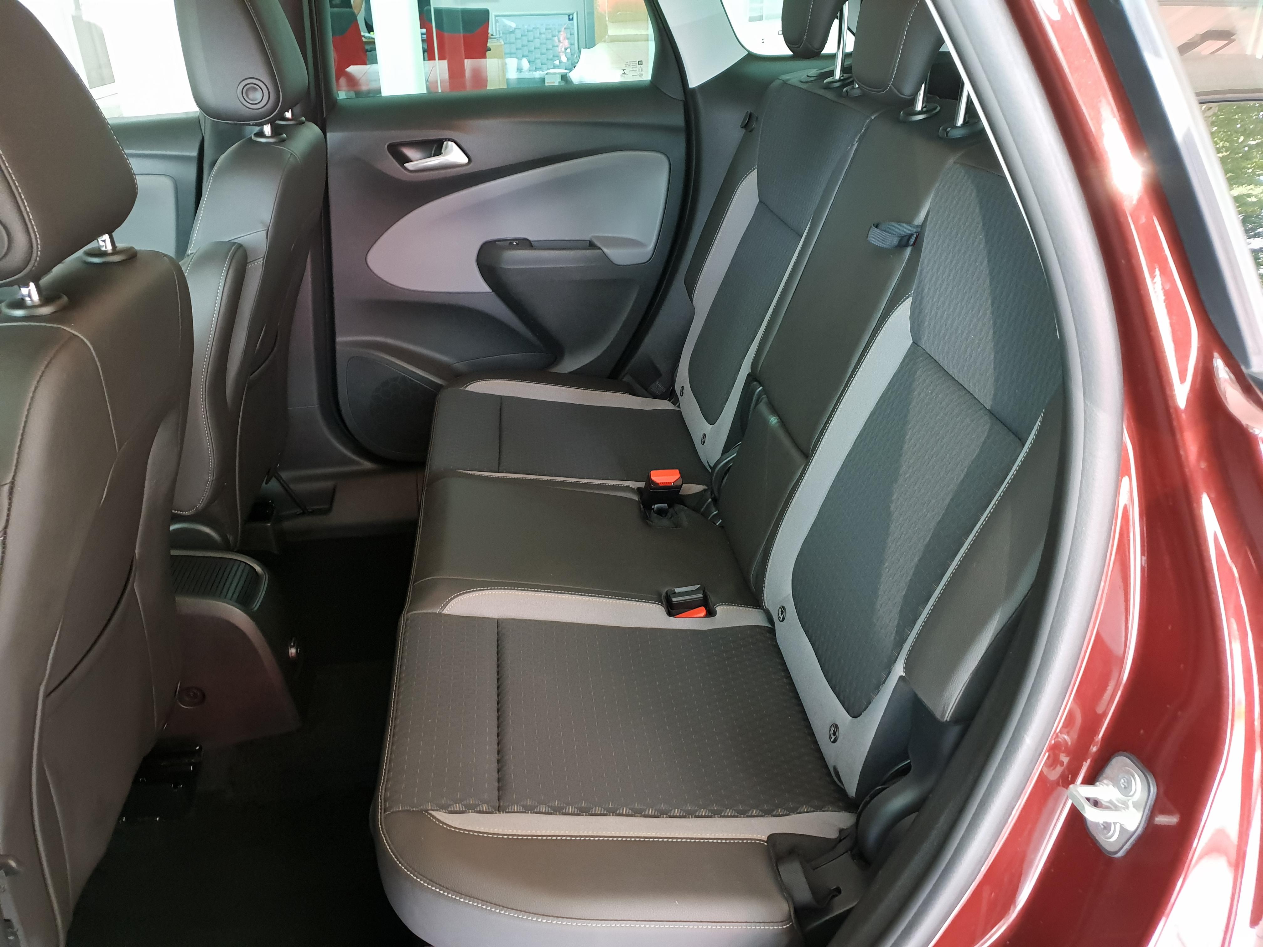 Opel Crossland X 1.2T Cosmo Auto