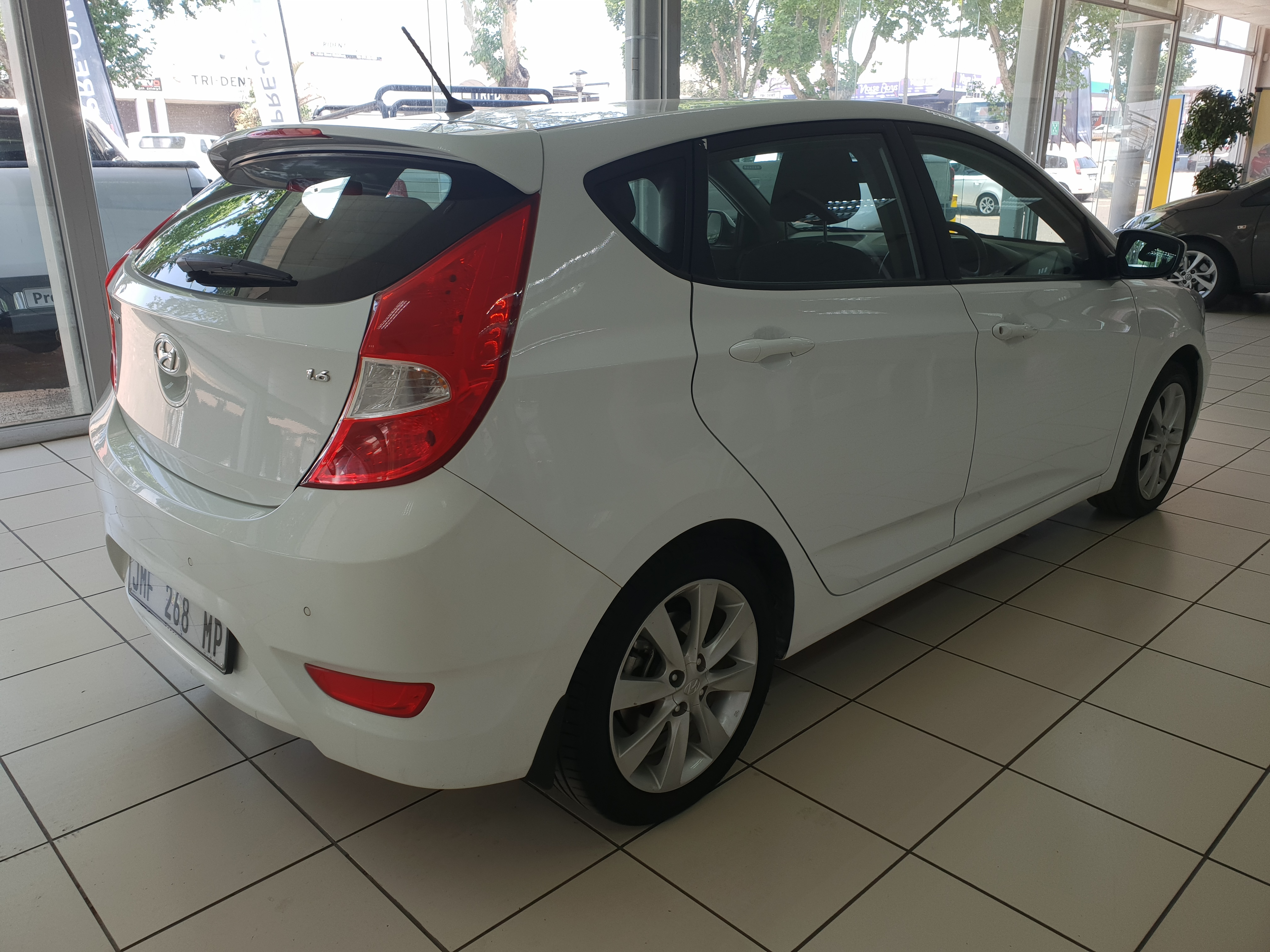 Hyundai Accent 1.6 Fluid 5-Door