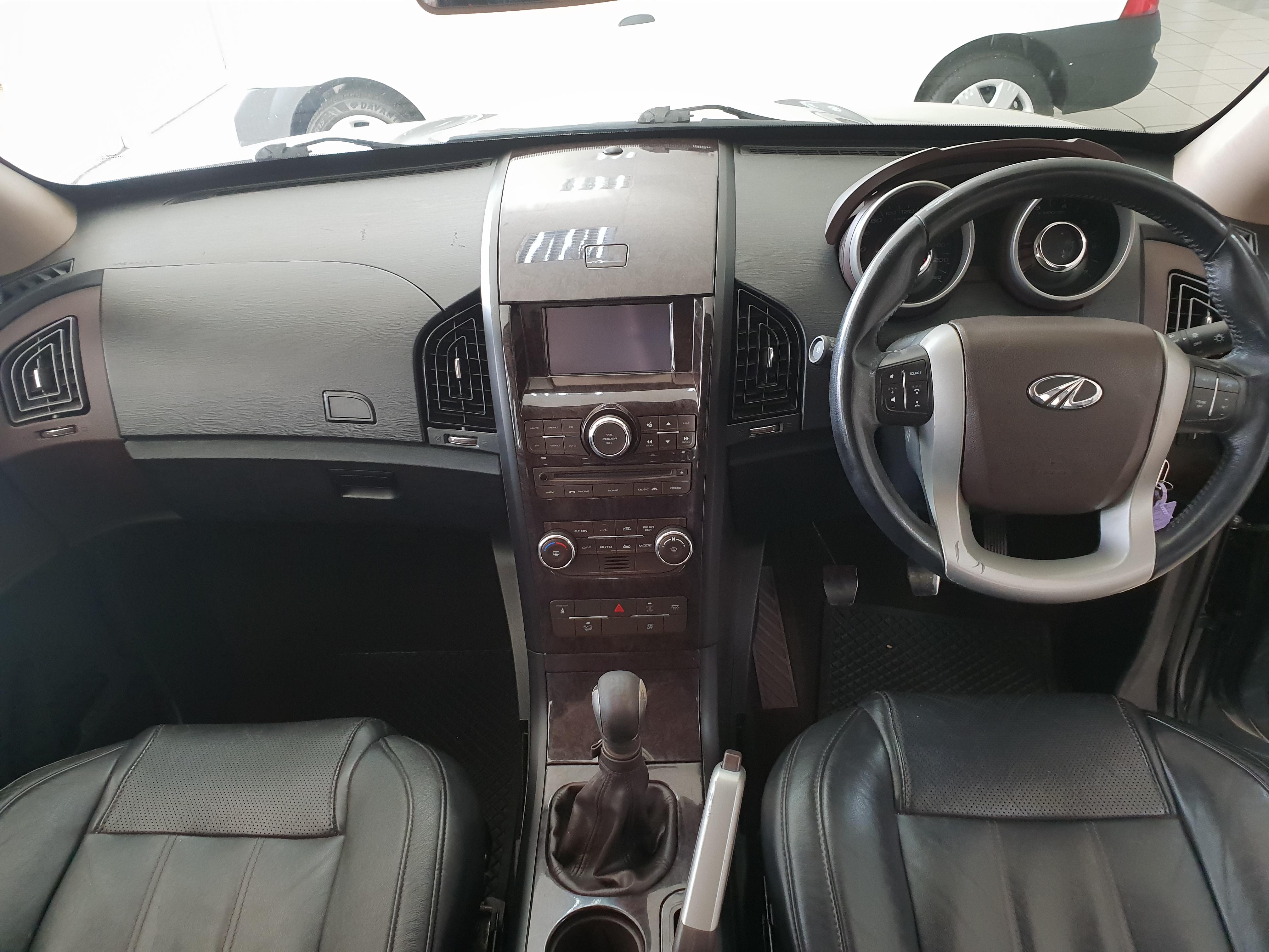 Mahindra XUV500 2.2d Mhawk (w8) 7 Seat