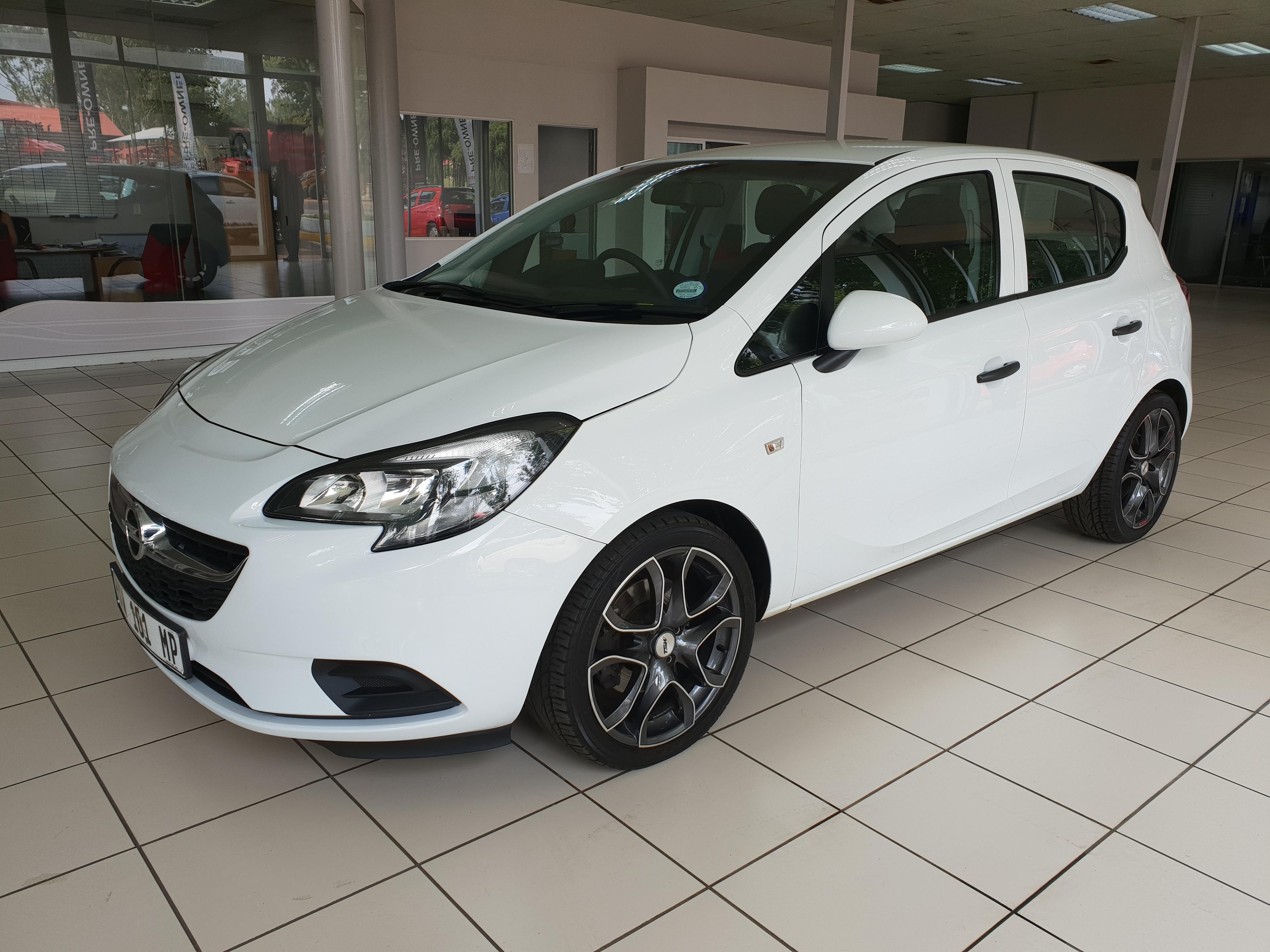 Opel Corsa 1.0T Essentia 5-Door