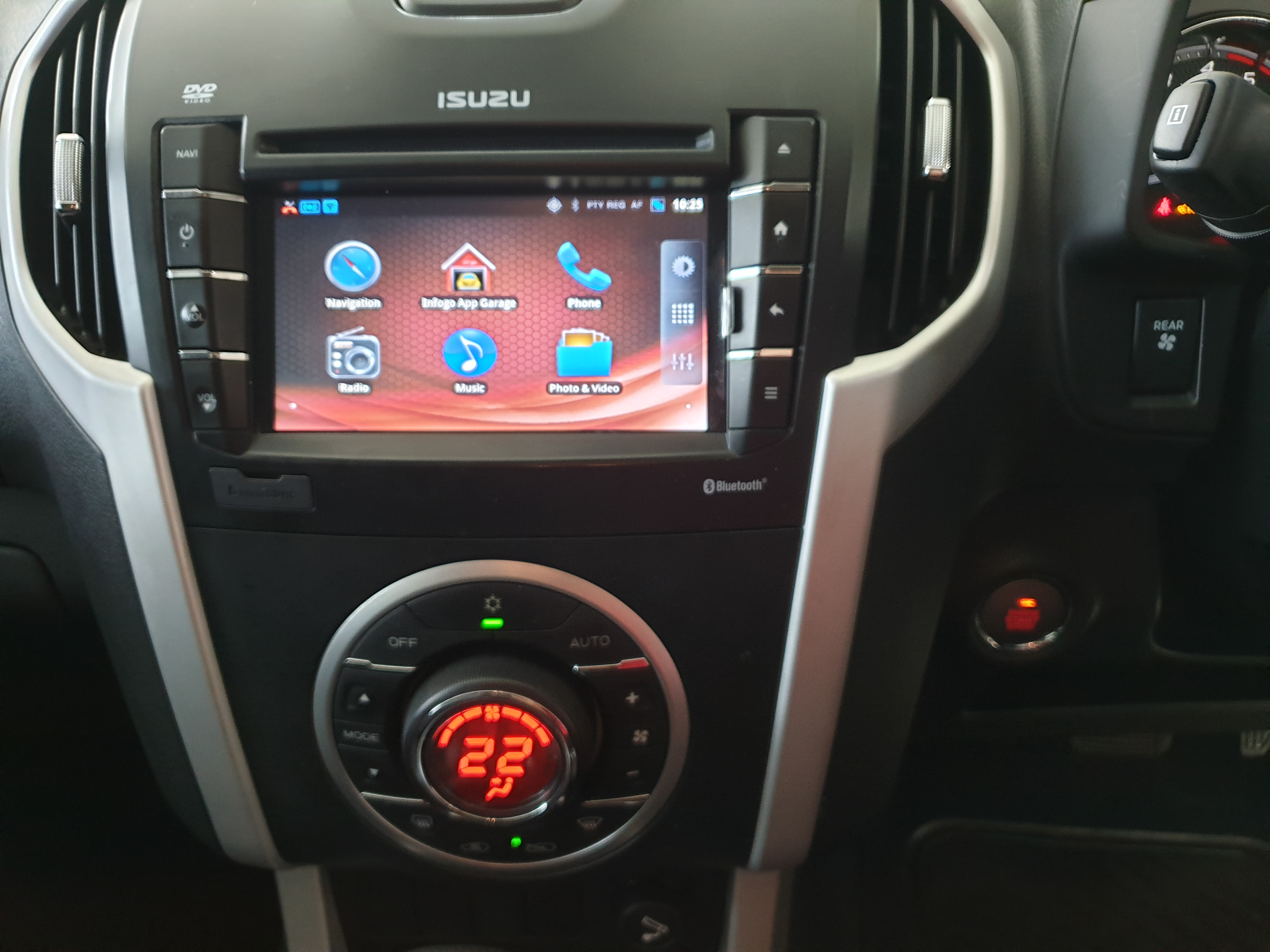 Isuzu MU-X 3.0D Auto