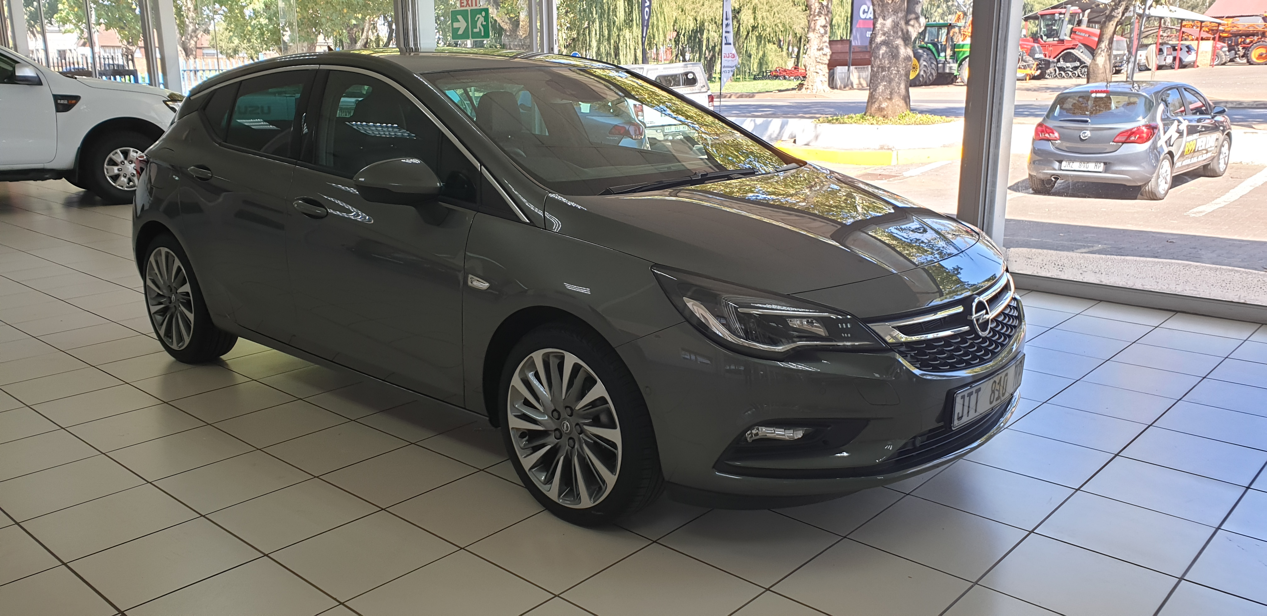 Opel Astra 1.4T Enjoy Auto 5-Door