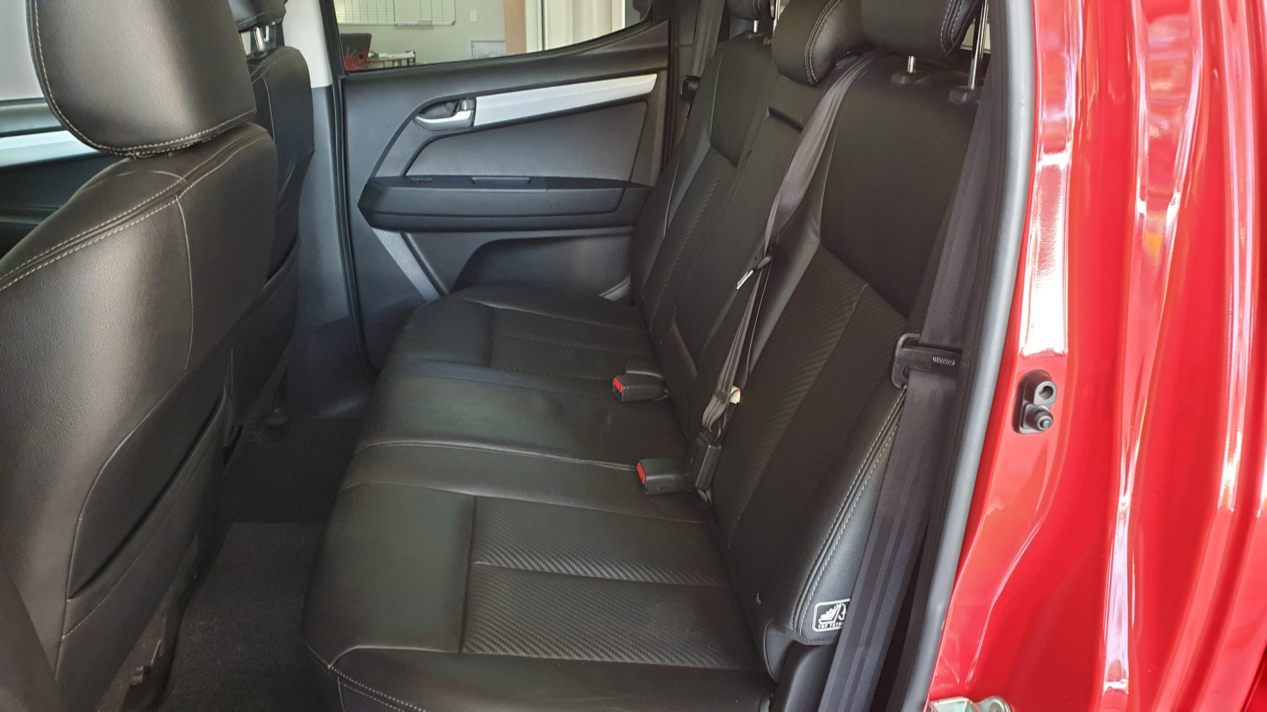 Isuzu KB Series 300 D-TEQ LX A/T 4X4 Double Cab Bakkie