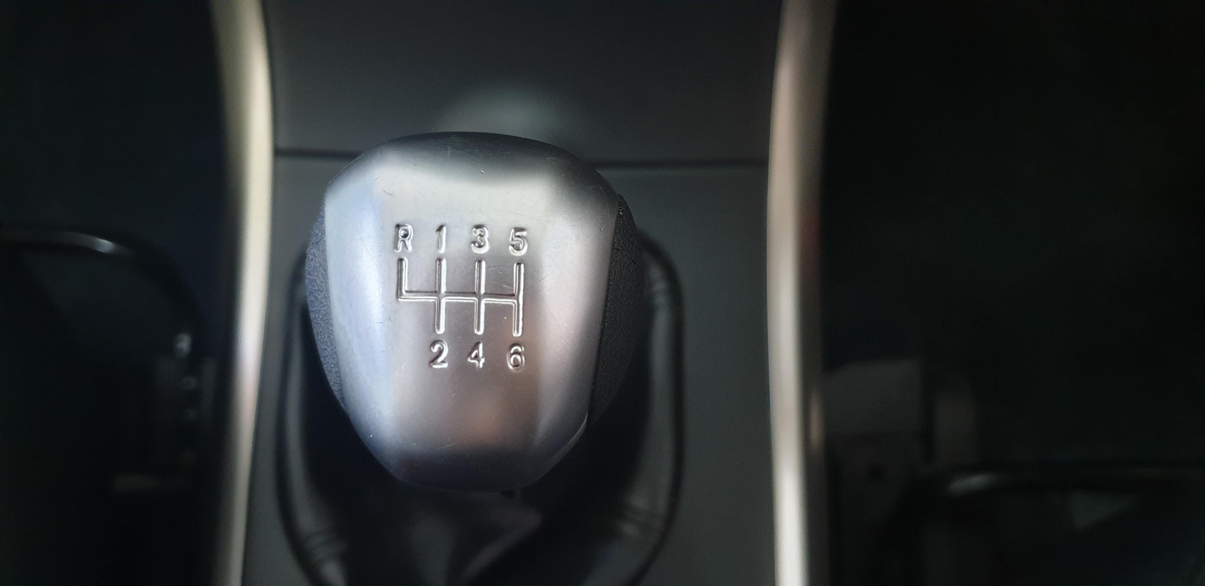 MAHINDRA XUV 500 2.2D MHAWK (W8) 7 SEAT