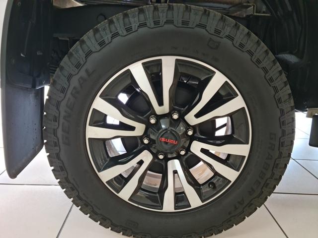 ISUZU DMAX 250 XRIDER D/C AUTO